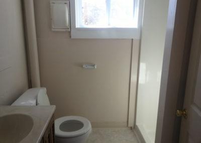 00LudAve-bathroom2