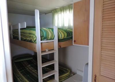 1-bunkbeds