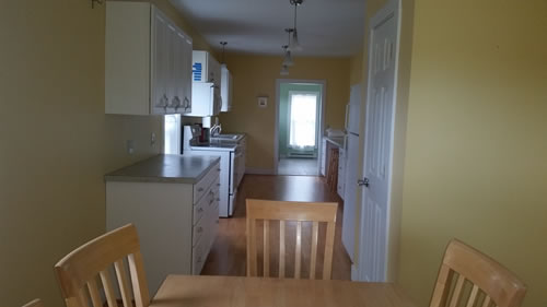 1Ferry-dining-room-looking-toward-kitchen