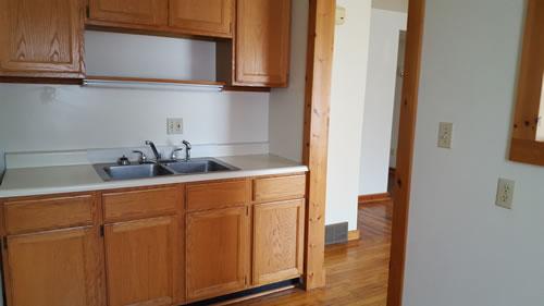 1Lud-kitchen2