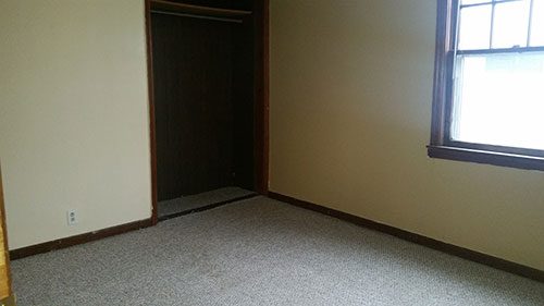 Mrobert-larger-bedroom