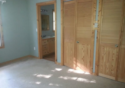 chickasaw-Downstairs-bedroom-closet