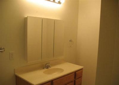 creek-bathroom2