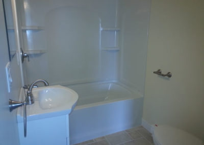 lavinia-Bath-off-bedroom