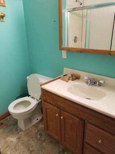 robert-downstairs-bathroom
