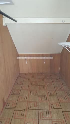 staffon-upstairs-closet