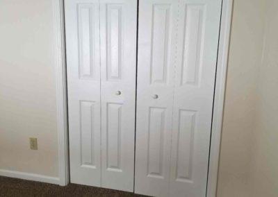 bedroom_1_closet