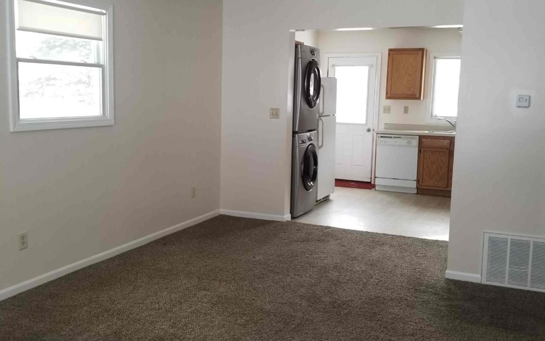 224 1st St, Shelby – Main Floor Apartment